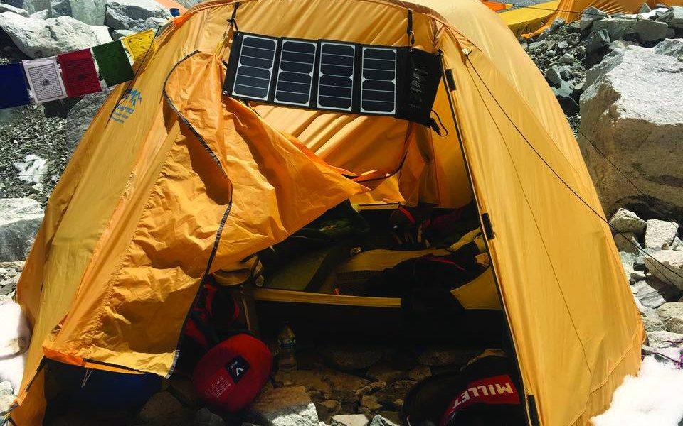 Maurizio Cheli al Campo base dell'Everest
